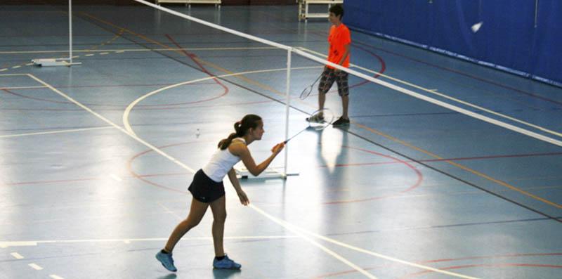 Resultat d'imatges de badminton activitats de tast
